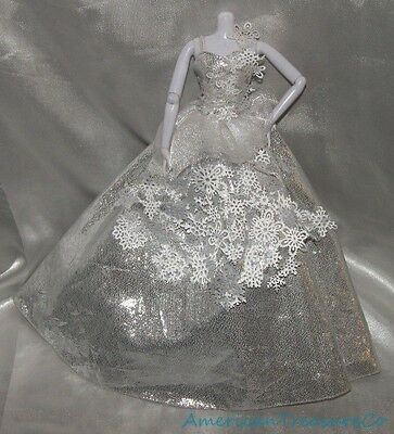 Gorgeous Barbie Holiday Model Muse Doll Silver Snowflake Winter Ball Gown Dress
