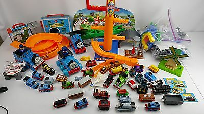 Thomas the Train and Friends Take Along SODOR CARNIVAL TONS OF CARS TRACK