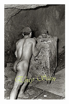 VINTAGE 1930's PHOTO MUSCULAR MEN WORK IN MINE NAKED GAY INTEREST 35