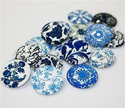 10 x ROUND RETRO BLUE & WHITE PRINTED CLEAR GLASS DOMED CABOCHONS 20mm