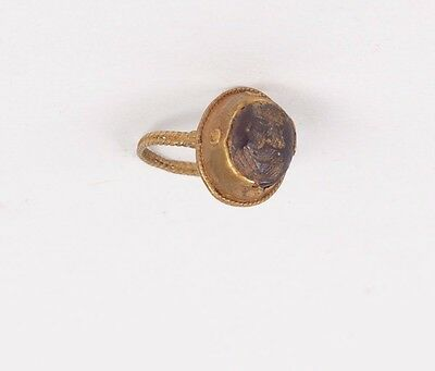 Ancient Sasanian gold ring with Intaglio c.6th century AD.