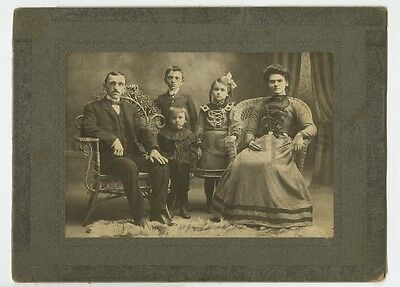 Early 20th Century Vernacular Photography - Mounted Photograph - Family Photo