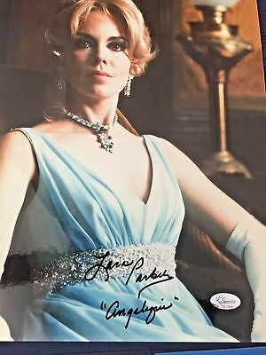 LAURA PARKER-Autographed Signed Photo-DARK SHADOWS  IN PERSON AUTHENTICATED IPI