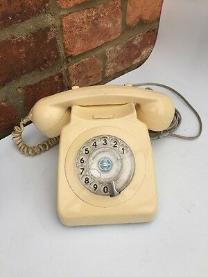 GPO 8746G RETRO - CORDED TELEPHONE  with FULLY WORKING ROTARY DIAL - CREAM