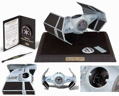STAR WARS DARTH VADER TIE FIGHTER 1:38 replca con vitrina  Code 3