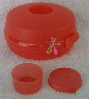 Tupperware Sandwich Keeper Round with smidget- Great for Rolls- New Set of 1