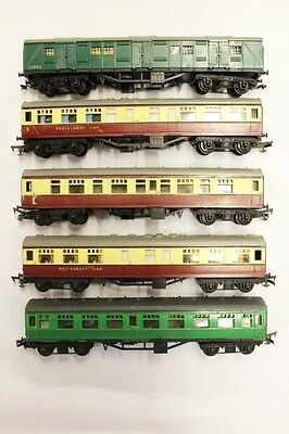 5 x Triang Coaches Job Lot OO Gauge Rolling Stock Collectables