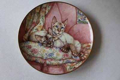 """Debbie Cook Siamese Cats Plate """"Welcome Home"""" Danbury Mint"""