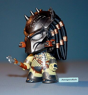 AVP Whoever Wins Collection Titans Vinyl Figures Wolf 2/20
