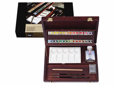 Rembrandt Artists Quality Watercolour Wooden Box - PROFESSIONAL - 05840003