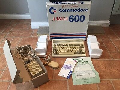 COMMODORE AMIGA 600 COMPUTER {VINTAGE} BOXED. With Lots Of Extras ! Tested Work