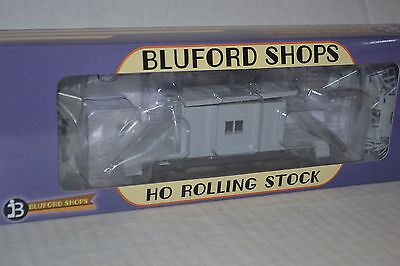 Bluford Shops 34000 Undecorated Short Roof Transfer Caboose  Ho Scale