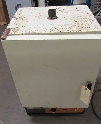 Used Fisher Isotemp 200 Series Incubator Oven Model 215G  115V 1Ph 13-245-215G
