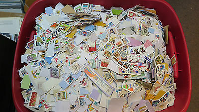 Weeda 1 lb of Canada/Worldwide mixture on paper, Random pound mix/kiloware lots