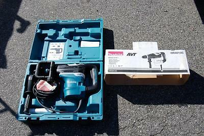 """Makita Hr4013C Avt Rotary Hammer Drill With Case 1-9/16"""" Accepts Sdsmax Bits New"""