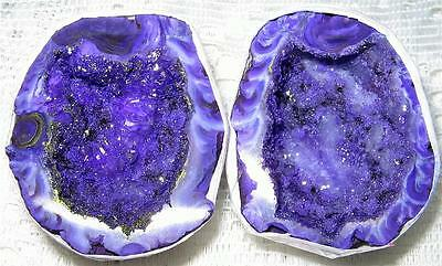 BEAUTIFUL PAIR OF AGATE Crystal *LOVE CAVES* 4.3x3.5cms Geodes / A1++ GRADE