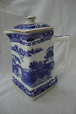 A Wade Pottery For Ringtons Chinese Willow Pattern Jug / Hot Water / Coffee Pot