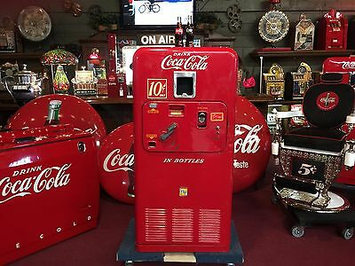 "1950's UNRESTORED ORIGINAL Vendorlator VMC 33 Coke Vending Machine ""Watch Video"""