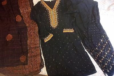 Indian pakistani salwar kameez designer Bollywood wedding party black mukesh eid