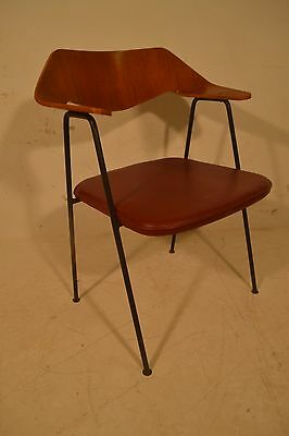 Stunning Vintage Bentwood Robin Day Hille 675 Chair