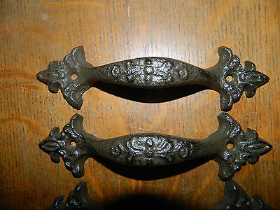 "Set/2 ~ 6 1/2"" ~Antique French Style Fleur De Lis Iron Pull Handle Cabinet Gate"