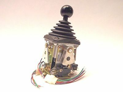 New OEM Controls JS5M14300 2 Axis / Cross Gate Joystick Control