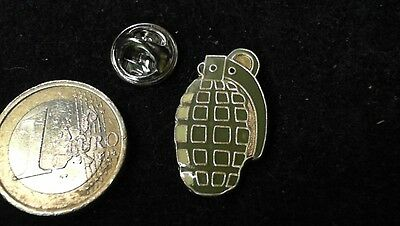 Handkranate Pin Badge