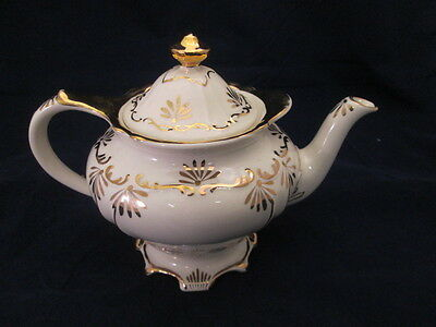 Sadler England Teapot Ivory with Gold Accents