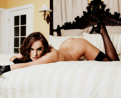 Natalie Portman 8X10 Celebrity Photo Picture Pic Hot Sexy On Bed 73
