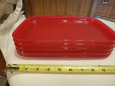 Tupperware Picnic/Luncheon Plates Set of 4
