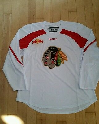 Reebok XL white red practice hockey jersey ND fighting siuox, old blackhawks