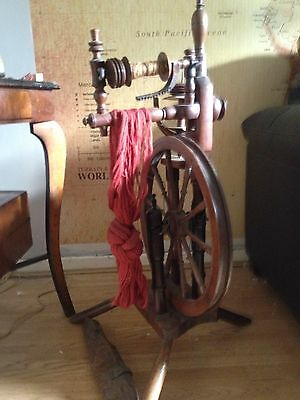 Very Old Antique Spinning Wheel/ Spinning Jenny