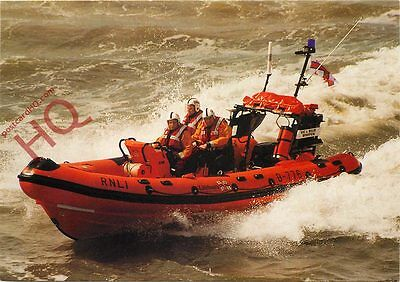 """Postcard: RNLI Southend-On-Sea Atlantic 75 Lifeboat """"Vic And Billie Whiffen"""""""