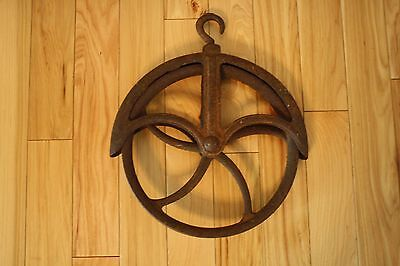"ANTIQUE VINTAGE WELL PULLEY - 12"" Great Rusty Patina! Home Decor"