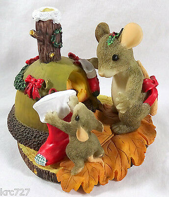 Charming Tails Figurine The Stockings Were Hung  Christmas
