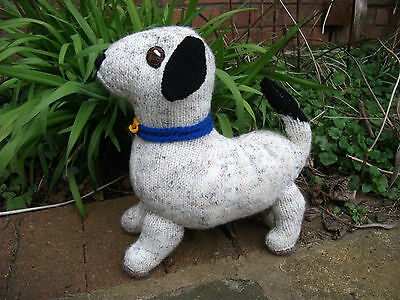 Hand-knitted Dog Soft Toy – Ref 1081
