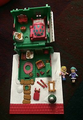 Vintage Polly Pocket Christmas Holiday Chalet (Xmas house) Complete with FIGURES