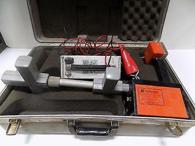 Metrotech 810 Transmitter/receiver Cable Locator W/case