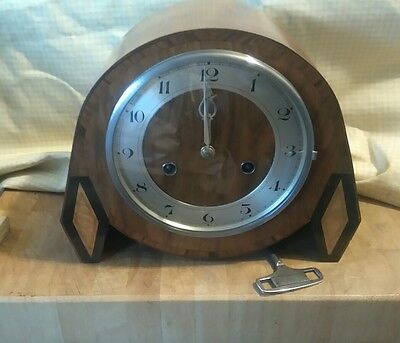 Deco Round Rocket Type Hac Mantle Clock With Pendulum And Key In E.w.o H01