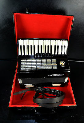 TOP GERMAN PIANO ACCORDION WELTMEISTER STELLA 60 bass,8sw.+CASE&BRAND NEW STRAPS