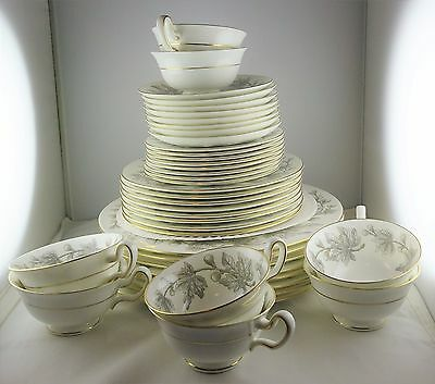 8 Wedgwood Ashford China 5 Piece Place Settings - Grey Figs & Leaves, White