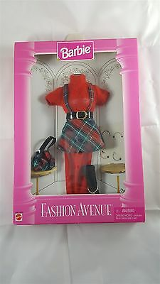 Mattel Barbie 1995 Fashion Avenue 14980 Plaid Red Outfit NIP