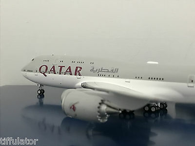 JC Wings Qatar B747-8 A7-HHE WITH STAND 1/200 JC2490