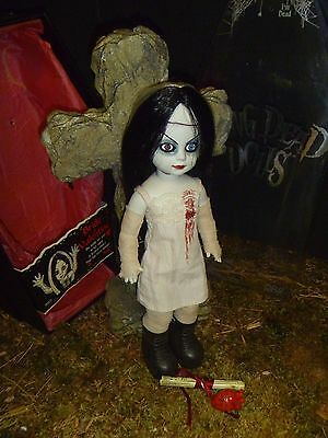 ��  Living Dead Dolls Bride of Valentine Series 3 Open and Complete