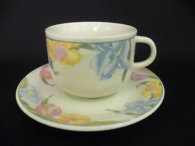 CROWN DYNASTY TULIPS TEA CUPS AND SAUCERS (u)