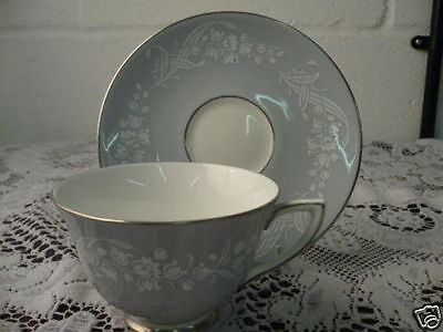 """Royal Doulton """" Valleyfield """" Tea Cups & Saucers"""