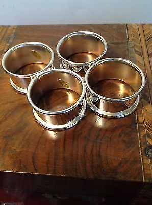 Retro Napkin Rings Silver Plated Classic Place Setting design Set of 4 Boxed