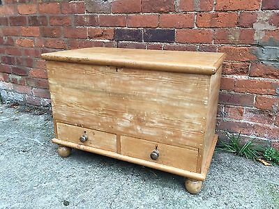 Victorian pine mule chest With Two Drawers. Good Condition