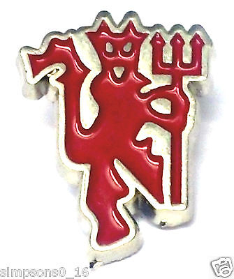 Manchester United Pin Badge Official Football Gifts