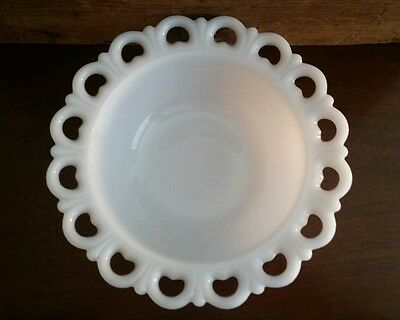 """Anchor Hocking Milk White Old Colony Lace Edge 9 1/4"""" Serving Bowl / Box 52"""